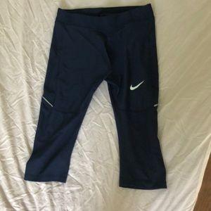 Women's Nike dri fit Capri leggings
